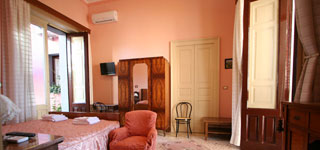 Pink room of b&b Acireale Mare